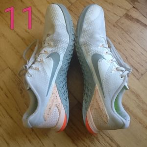 Sz 11 Nike Metcon 4